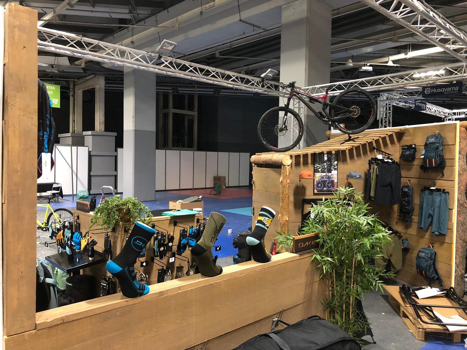 Dakine - Salon Pro Days - Mobilier